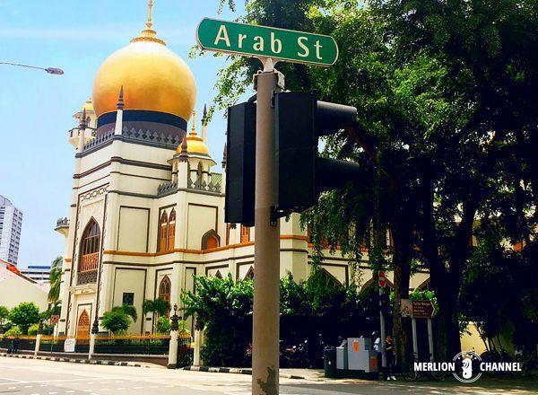 アラブストリートへはサルタンモスクの黄金ドームが目印