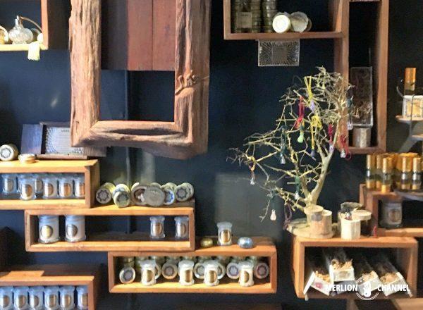 シフル・アロマティックス(Sifr Aromatics)の店内商品