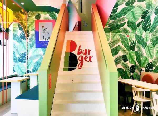 B Burger2階への階段