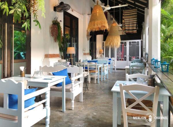 「Blu Kouzina(ブルー・クッジーナ)」のテラス席