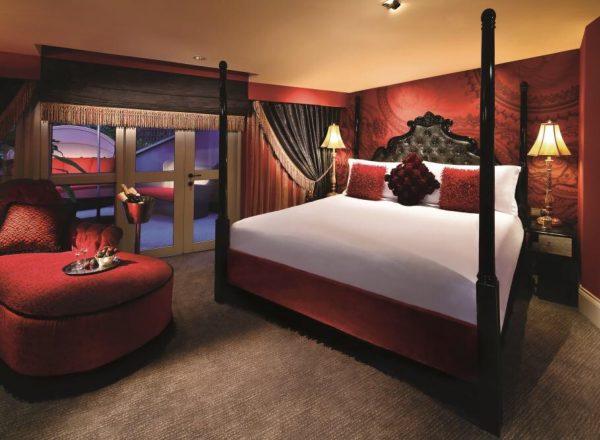 スカーレットホテルの部屋