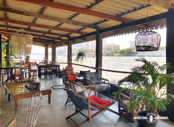 チャオプラヤー川沿いの隠れ家カフェ「Baan Rim Naam」