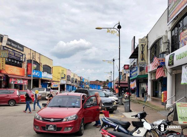 グマス駅周辺の繁華街