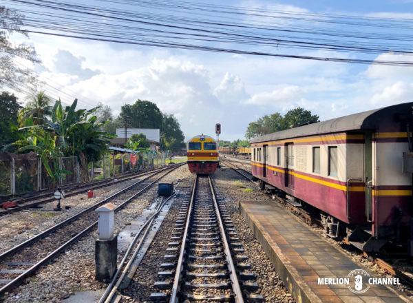 タイ南部「ハジャイ駅」での切り離し作業