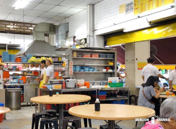 イポーの名店「老黄芽菜鶏沙河粉」の店内