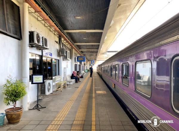 マレーシア国境「パダンブサール駅」