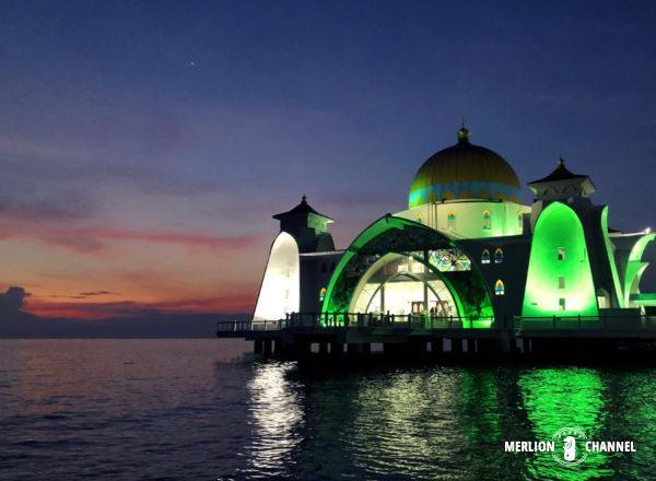 「マラッカ海峡モスク」の夕闇