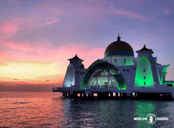 「マラッカ海峡モスク」のマジックアワー