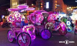 マラッカの夜を彩るド派手なトライショー