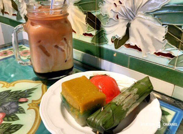 「ミュージアム・カフェ(旧・崇文閣カフェ)」プラナカンの伝統菓子「ニョニャ・クエ」