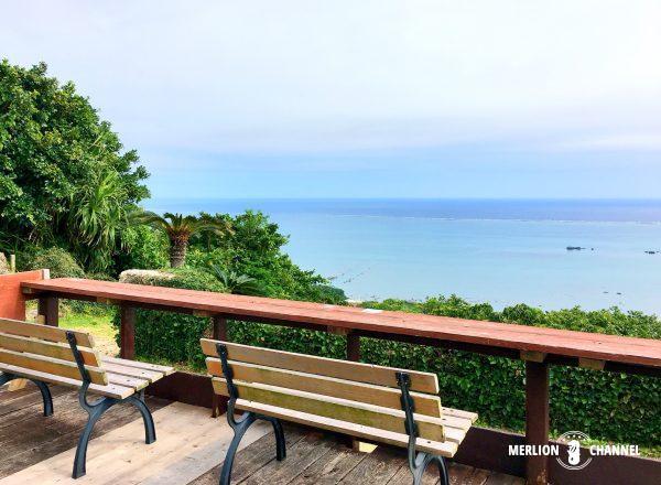 沖縄のカフェくるくまテラス席