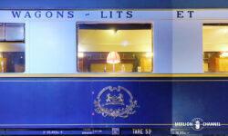 「オリエント急行展」ワゴン・リ社のエンブレムが輝く青い車両