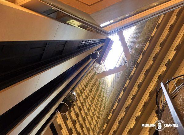 パンパシフィック・シンガポールホテル(Pan Pacific Singapore)ロビーの吹き抜け