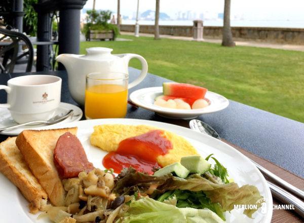 イースタン・アンド・オリエンタルホテルの「Sarkies」で朝食