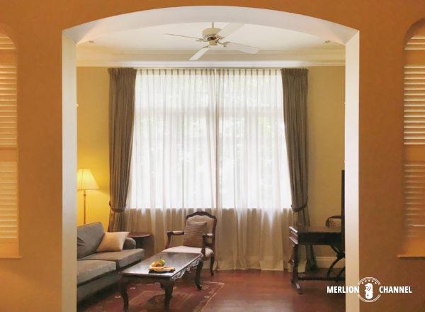 イースタン・アンド・オリエンタルホテルの部屋のソファスペース
