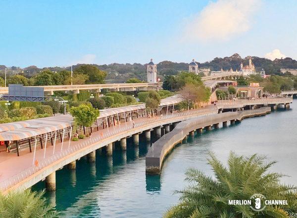 VivoCityとセントーサ島をつなぐ歩道橋ボードウォーク