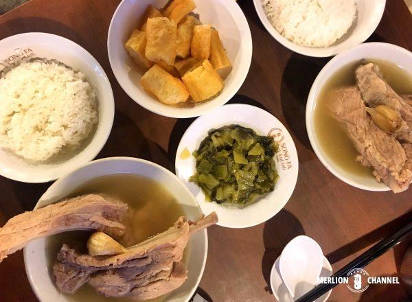 シンガポールの有名店「松發肉骨茶(ソンファバクテー)」