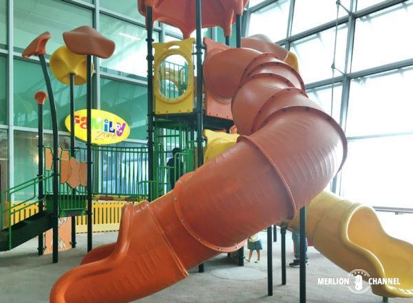 チャンギ空港ターミナル2の「プレイエリア」