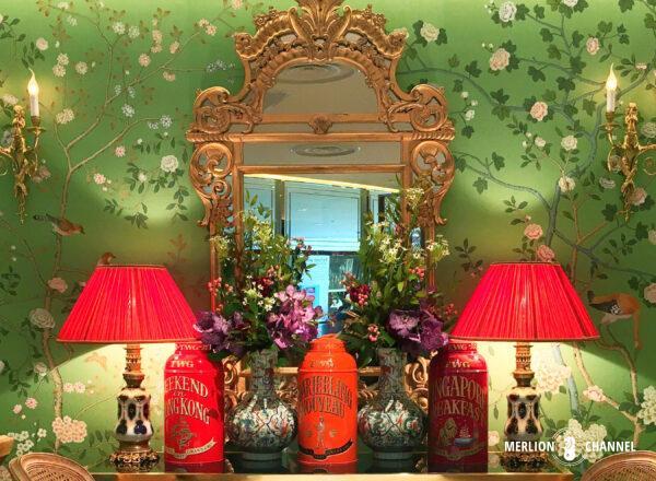 緑の壁紙が素敵な「TWG」マリーナベイサンズB1階のティーサロン