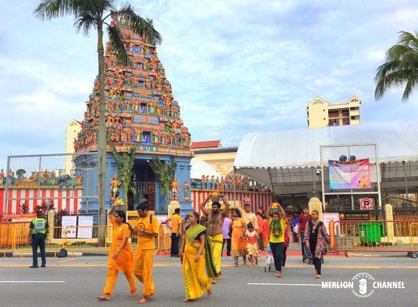 タイプーサムの行進はスリ・スリニヴァサ・ペルマル寺院からスタート