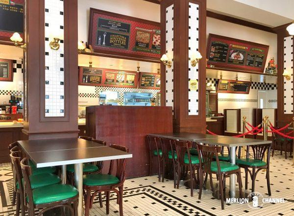 ユニバーサルスタジオ・シンガポール(USS)の「Loui's NY Pizza Parlor」店内