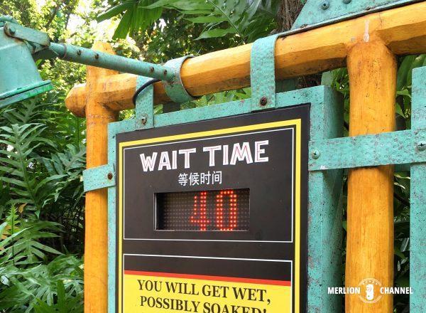 ジュラシックパークの待ち時間